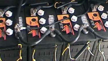 12v-Deep-Cycle-Lead-Acid-Battery-Bank